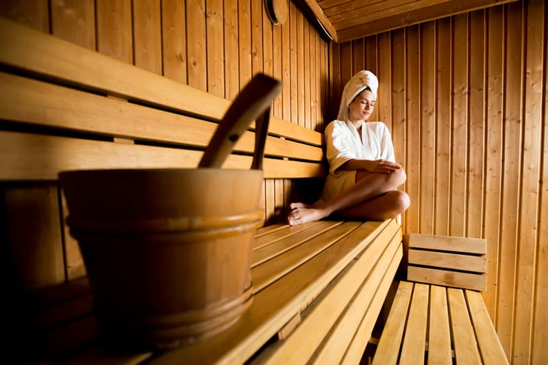 How much water weight can you lose in a sauna?